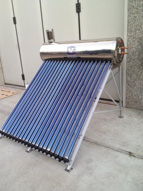 Pannello Solare Con Tubo Polietilene : Pannello solare termico circolazione naturale serpentina