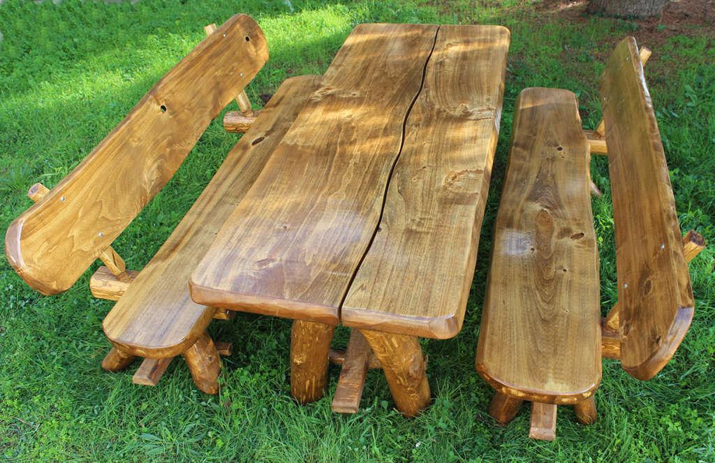 Tavolo da giardino in legno arredo giardino con 2 panche for Arredo da giardino offerte
