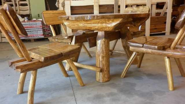 Tavolo tavoli da esterno arredo giardino tondo con 4 sedie in legno massiccio - Dimensioni tavolo tondo 4 persone ...