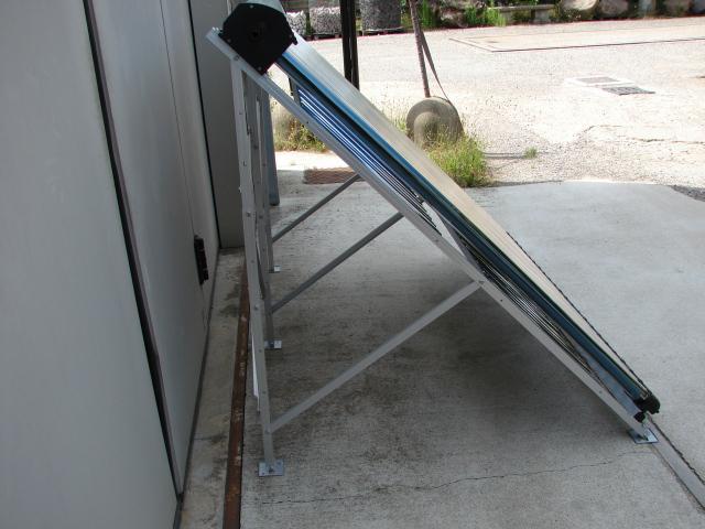 Pannello solare termico circolazione forzata con 24 tubi for Come collegare pex pipe al rame