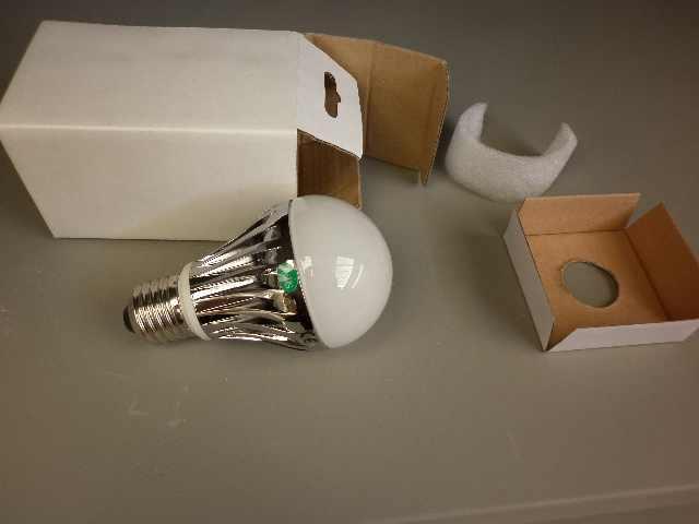 lampadina a led attacco E27