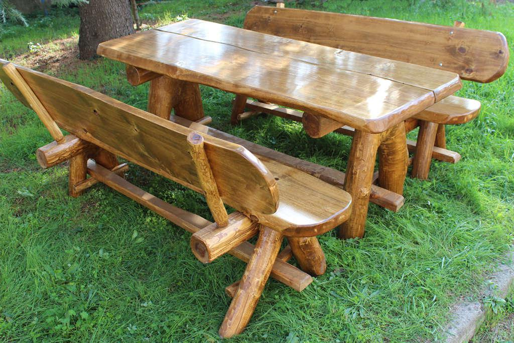 Tavolo da giardino in legno arredo giardino con 2 panche for Panche in legno da giardino