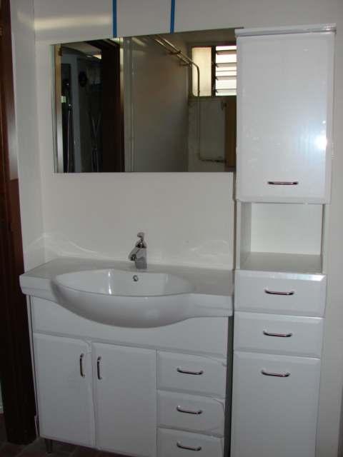 Mobili per arredo bagno - Lavandini con mobile bagno ...
