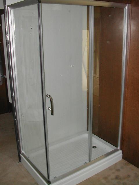 Box doccia e colonne idromassaggio - Completo bagno renato balestra prezzi ...